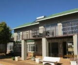 Photo 4 bedroom House For Sale in Golf View for R 2...