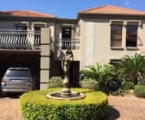 Photo 5 bedroom House For Sale in Leeuwfontein for R...