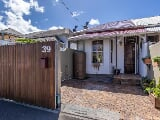 Photo 2 Bedroom House for sale in Claremont