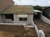 Photo 3 Bedroom Semi Detached For Sale in Caneside