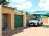 Photo 3 Bedroom House in Lephalale