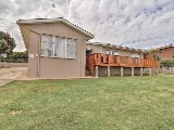 Photo 6 Bedroom House for sale in Jeffreys Bay Central