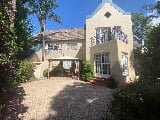 Photo 3 Bedroom House in Waterkloof