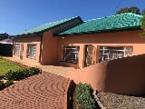 Photo 3 Bedroom House in Boshof
