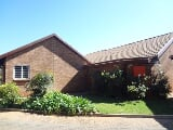 Photo 3 Bedroom Townhouse in Pretoria East