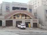 Photo 8 Bedroom Apartment in Port Elizabeth Central