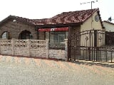 Photo 3 Bedroom House for Sale in Kwa-thema Central