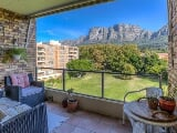 Photo 2 Bedroom Flat in Cape Town