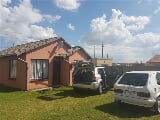 Photo 2 Bedroom House in Soweto Central
