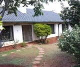 Photo 3 bedroom House For Sale in Murrayfield for R 2...