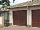 Photo 3 Bedroom Townhouse for sale in Valley View Estate