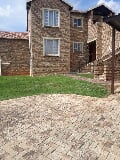 Photo 3 Bedroom Apartment in Roodepoort
