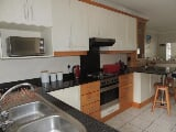 Photo 2 Bedroom Apartment For Sale in Uvongo,...