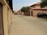 Photo 3 bedroom duplex in security estate