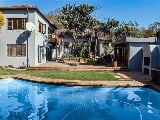 Photo 5 Bedroom House in Greenside