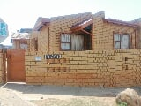 Photo 2 Bedroom House in Zola