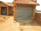 Photo 3 Bedroom House For Sale in Daveyton