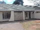 Photo 3 Bedroom House in Witpoortjie
