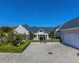 Photo 4 Bedroom Lifestyle Estate in Constantia