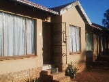 Photo 3 Bedroom House in Tlhabane West