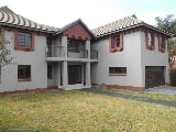 Photo 4 Bedroom House in Woodhill