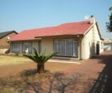 Photo 3 bedroom House For Sale in Arcon Park for R 1...