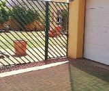 Photo 3 bedroom House To Rent in Strubenvale for R 8...