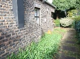 Photo Garden Cottages for rent - Rustenburg Avenue...