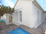 Photo 2 Bedroom House in Bantry Bay