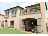 Photo House For Sale in Mulbarton, Johannesburg