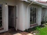 Photo 3 Bedroom Townhouse in Klipfontein