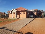 Photo 4 Bedroom House in Kathu