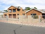 Photo 5 Bedroom House for sale in Protea Heights