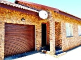 Photo 2 Bedroom Townhouse in Lydenburg