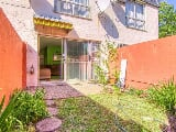 Photo 2 Bedroom Apartment / Flat for sale in Windsor